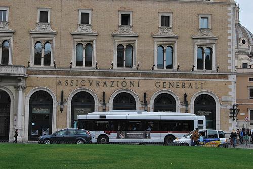 Banche, istituti di credito, soldi a Pescara - ASSICURAZIONI